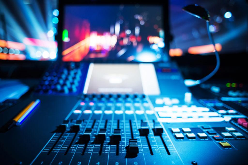 Les essentiels pour devenir DJ producteur